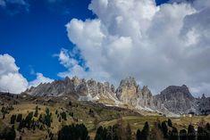 Cirspitzen beim Grödner Joch  #Grödnertal #Cirspitzen #ValGardena #Südtirol #Dolomiten #Italien Mount Everest, Mountains, Nature, Travel, Europe, Hiking Trails, Hiking, Italy, Viajes