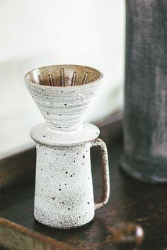 mug art Mizuki Rusted Coffee Filter Set by Qi Xi Ceramic Tableware, Ceramic Cups, Ceramic Pottery, Ceramic Art, Slab Pottery, Ceramics Pottery Mugs, Pottery Vase, Kitchenware, Keramik Design