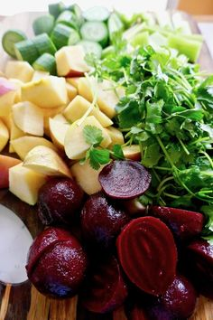 liver cleansing beet juice ingredients - apples, cucumbers, celery, cilantro and beets Beet Green Recipes, Cilantro Recipes, Beet Salad Recipes, Juice Fast Recipes, Juice Cleanse Recipes, Raw Food Recipes, Liver Cleanse Juice, Liver Diet, Freezer Recipes