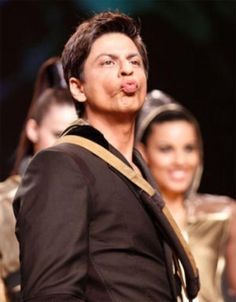 """""""I will dream about what that kiss meant for me :P . My Name Is Khan, Richest Actors, Glamour World, Sara Ali Khan, King Of Hearts, Face Photo, Hrithik Roshan, Bollywood Stars, Shahrukh Khan"""