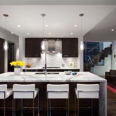 Modern Colonial Kitchen Design Ideas, Pictures, Remodel, and Decor - page 3