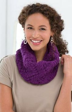 Marching Arrows Cowl Free Knitting Pattern from Red Heart Yarns