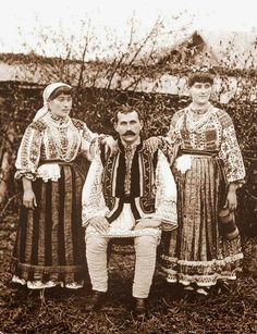 Costume and Embroidery of Neamț County, Moldavia, Romania Folk Embroidery, Learn Embroidery, Embroidery Patterns, Embroidery Stitches, Floral Embroidery, Vintage Photographs, Vintage Photos, Romania People, Women's Chemises