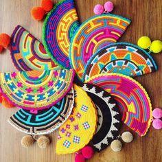 Crochet purse clutch ganchillo New ideas Crochet Clutch, Crochet Purses, Crochet Bags, Tapestry Bag, Tapestry Crochet, Crochet Diy, Embroidery Bags, Boho Bags, Knitted Bags