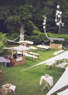 picknick in de tuin op een bruiloft -een picknick in de tuin op een bruiloft - Trouwen in een tent - Alle tips voor prachtige buiten bruiloft Wedding Reception Planning, Budget Wedding, Wedding Venues, Rustic Wedding, Our Wedding, Dream Wedding, Wedding Outside, Deco Champetre, Festival Wedding