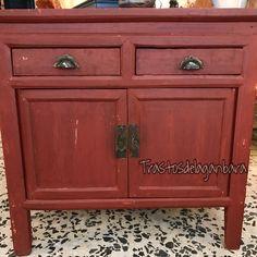 Mueble auxiliar madera.  Venta y Alquiler!! Trastosdelaganbara.com #workshop #vintageshop #decor #vintage #muebles #decoracion #trastosdelaganbara #pasaia