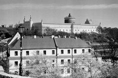 https://flic.kr/p/GUhLyF | Lublin Castle View | Old Town Lublin, Poland, April 2016.  Minolta AL, Rokkor 45mm F2.0, Ilford PAN 400  More at urban.photos
