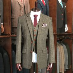 UK's largest collection of tweed suits. Our tweed suits are well tailored using the Traditional British Tweed fabric into a classy modern style. Mens Tweed Suit, Tweed Suits, Tweed Jacket, Mens Suits, Suit Jacket, Tweed Wedding Suits, Tweed Run, Tweed Fabric, Tailored Suits