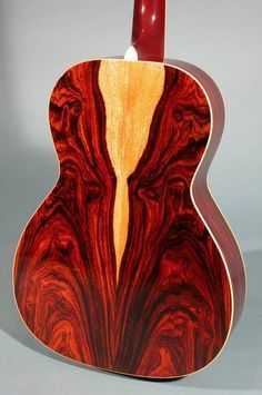 Highly Figured Cocobolo Back on a Moonstone 000 Acoustic Guitar. Easy Guitar, Guitar Tips, Cool Guitar, Guitar Lessons, Custom Acoustic Guitars, Custom Guitars, Guitar Shop, Music Guitar, Dj Music