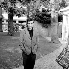 mimbeau: Daniel Fallot / INA  François Truffaut at Cannes - France 1959