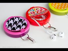 Make an EARPHONE HOLDER (...from a mint container)