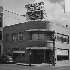 Davenport Institute, now the JA Building, Fulton & Division - c. 1945