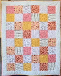 Wie näht man einen Baby-Quilt- Schritt für Schritt? Ein Anfänger-Tutorial Quilt Baby, Patchwork Blanket, Antique Items, Painted Furniture, Shabby Chic, Scrap, Antiques, Interior, Fabric