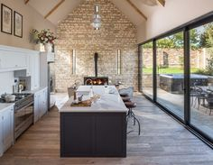 Luxus Selbstversorger Cheltenham - Small house Luxury self catering Cheltenham - Small house Open Plan Kitchen Dining Living, Open Plan Kitchen Diner, Living Room Kitchen, Home Decor Kitchen, Interior Design Kitchen, Home Kitchens, Country Kitchen, Kitchen Stone Wall, Barn Kitchen