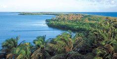 4 Áreas Naturales Protegidas de Quintana Roo. Ubicada al extremo sureste del país, esta entidad es poseedora de increíbles escenarios verdes que no puedes dejar de conocer. ¡Sorpréndete con Isla Contoy, Xcacel, la Bahía de Chetumal y Sian ka'an!
