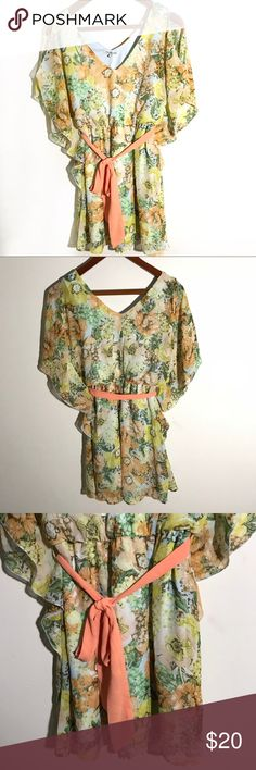 {Charlotte Russe} Floral Flowy Tunic Pretty Charlotte Russe Floral Flowy tunic with shoulder keyholes in great condition. Has a vneck and back. Size Small. Charlotte Russe Tops Tunics