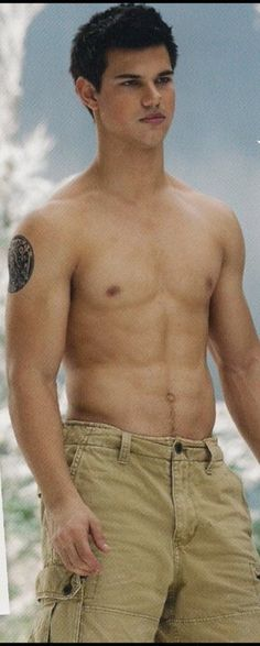 Jacob black and his fucking abs! He's mine bitcheeess...