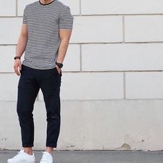 What is Business Casual Style for Men? Why do you need to figure out how to dress business casual? Black Outfit Men, Formal Men Outfit, Business Dress, Business Casual Dresses, Summer Outfits Men, Stylish Mens Outfits, Fashion Network, Trend Fashion, Fashion Brands