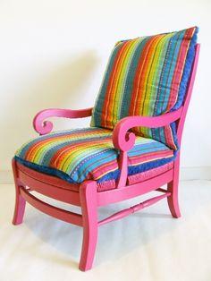 fauteuil en bois fuchsia et gros coussins colors - Fauteuil Colore