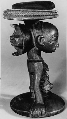 head rest  Materials wood  Place of collecting Democratic Republic of the Congo > Katanga  Culture Luba  Field collector Louis-Hector Brasseur (°1861 - †1919)  Date of acquisition 1932-11-03  Dimensions 16,3 cm x 13 cm x 7,5 cm
