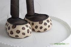 Zapatos para fofuchas para CSR Spain 2014 www.mispupetes.com