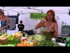 """Wlasta Hlinková - Divoké raw recepty (použití """"plevelů"""" v jídelníčku) - YouTube"""