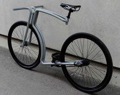 Коммутер Anniveloversary с фиксированной передачей от дизайн-студии Velonia Bicycles совмещает в себе стиль мотоциклов «кафе рейсер» и классическую обтекаемую форму. Рама полностью выполнена из труб из нержавеющей стали, включая коронку вилки. На таком велосипеде можно комфортно кататься как по городу, так и по пересечённой местности, а фиксированная передача упрощает обслуживание байка.