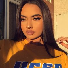 """38.3 χιλ. """"Μου αρέσει!"""", 219 σχόλια - Karla Jara (@theerealkarlaj) στο Instagram: """"✨☀️✨ Lashes: @lillylashes """"Camila"""" code: KARLAJ  Lips: @rinconcosmetics AQUARIUS"""""""