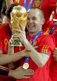 El autor del gol de la final de Sudáfrica 2010....Andrés Iniesta