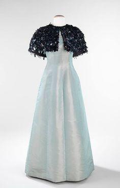 Evening ensemble House of Balenciaga (French, founded 1937) Designer: Cristobal Balenciaga (Spanish, 1895–1972) Manufacturer: Rébè   Date: fall/winter 1963–64 Culture: French Medium: silk, synthetic