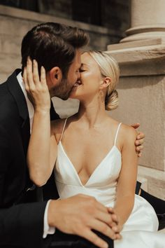 Wedding Picture Poses, Wedding Photography Poses, Wedding Poses, Wedding Photoshoot, Couple Photography, Wedding Pictures, Bride And Groom Pictures, Photography Guide, Wedding Ideas