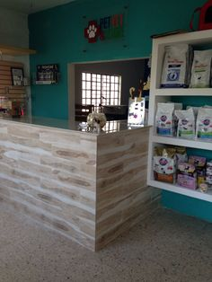 Nice clean simple front Pet Shop, Dog Grooming Shop, Dog Grooming Salons, Dog Grooming Business, Spa Interior Design, Cat Hotel, Pet Boarding, Pet Resort, Dog Salon