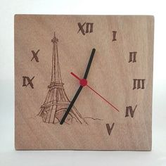 La tour Eiffel Wooden clock pyrography