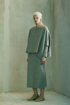 The Row Pre-Fall 2016 Fashion Show Collection: See the complete The Row Pre-Fall 2016 collection. Look 7 Fall Fashion 2016, Fashion Week, Fashion Show, Winter Fashion, Women's Fashion, Fashion Design, The Row, Vogue Mexico, Best Shopping Sites