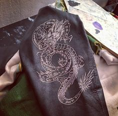 Painted leather Dragon @expressmade