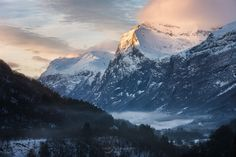 Mount Everest, Travel Photography, That Look, Sea, Mountains, Facebook, Landscape, Check, Image