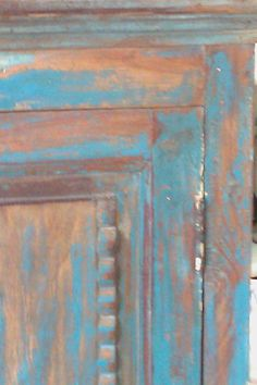 Distressed paint finishes