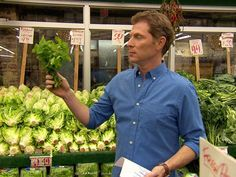 Learn to make smarter choices at the grocery store with #BobbyFlayFit.