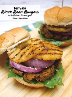 Vegan Teriyaki Black Bean Burgers with Grilled Pineapple >> Dianne's Vegan Kitchen (Vegan Grilling Recipes) Vegan Foods, Vegan Dishes, Vegan Vegetarian, Vegetarian Recipes, Vegetarian Sandwiches, Healthy Sandwiches, Beef Recipes, Nuggets, Vegan Grilling