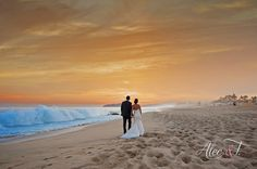 This almost looks like a painting! What a gorgeous photo to frame and hang in your home #DreamsLosCabos #Mexico #Destinationwedding
