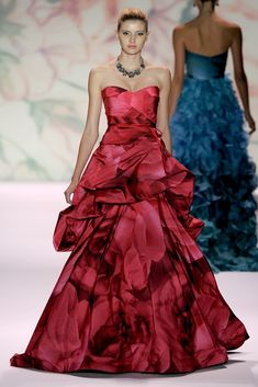 552d4303f3b9 Monique Lhuillier Spring 2011 RTW Rose Print Gown media gallery on  Coolspotters. See photos, videos, and links of Monique Lhuillier Spring  2011 RTW Rose ...