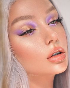@olgadann is a dream girl!😍 💜 🌸 Wearing 🌸 Hypelink Softwear Blush Venus III Palette Opals Hi-Lite Palette