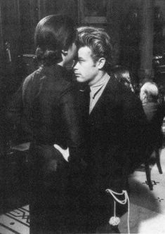 James Dean and Elizabeth Taylor Old Hollywood Actors, Hollywood Stars, Classic Hollywood, James Dean Photos, Vladimir Nabokov, Jimmy Dean, Classic Movie Stars, Movie Couples, The Little Prince