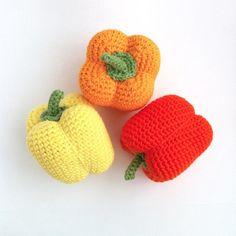Crochet Pepper Pattern / Crocheted Pepper / by LittleConkers Crochet Fruit, Crochet Food, Crochet Crafts, Crochet Flowers, Crochet Projects, Knit Crochet, Double Knitting, Loom Knitting, Easy Crochet Patterns