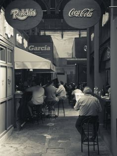Montevideo, Mercado Del Puerto, good lunch and good people watching