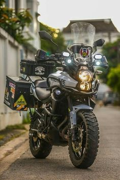 Can anybody tell me the motorcycle model please? The Kawasaki Versys can handle some serious adventure when setup correctly. Trail Motorcycle, Enduro Motorcycle, Moto Bike, Honda Motorcycles, Motorcycle Adventure, Touring Motorcycles, Harley Davidson Shirts, Harley Davidson Chopper, Harley Davidson Sportster