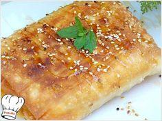 ΦΕΤΑ ΤΥΛΙΧΤΗ ΜΕ ΠΙΠΕΡΙΑ KAI ΜΠΕΙΚΟΝ ΣΑΓΑΝΑΚΙ!!! Burritos, Cheesesteak, Feta, Chicken, Cooking, Ethnic Recipes, Greek, Party, Breakfast Burritos