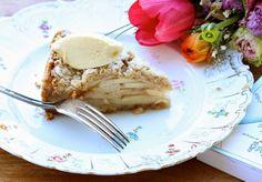העוגה הנפלאה הזאת היא אחת הדרכים הכי קלות למלא את הבית בניחוח תפוחים וקינמון שיעלה בכם זיכרונות מתוקים. והיא גם כל כך יפה!