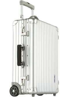Rimowa classic cabin luggage.. Need.