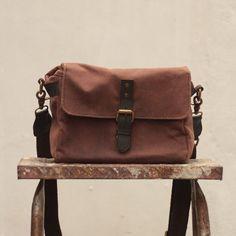 Gouache Waxed Canvas Harvey Camera Bag (Brown)
